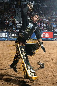 Mike Lee...PBR  My man! I love watching him ride. I always root for him.