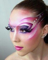 Isn't this amazing make up? Media Makeup, Makeup Art, Beauty Makeup, Drag Makeup, Maquillage Halloween, Halloween Makeup, Circus Makeup, Show Makeup, Alien Makeup