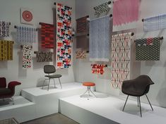 Until now, Alexander Girard's work has been relatively unknown – certainly when compared to the fame of his contemporaries Charles and Ray Eames, Isamu Noguchi and George Nelson, say – but that is soon to change as the American interior and fabri… Alexander Girard, Vitra Design Museum, Showroom Design, Wallpaper Display, Wallpaper Stores, George Nelson, Fabric Display, American Interior, Shops