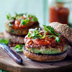 If you're a vegetarian, you don't need to miss out on Braai Day. Try these Vegetarian Burgers; they look incredibly healthy and just as delish as a beef burger! Vegetarian Cookbook, Vegetarian Main Dishes, Vegetarian Entrees, Vegetarian Burgers, Going Vegetarian, Veggie Meals, Veggie Burgers, Braai Recipes, Veg Recipes
