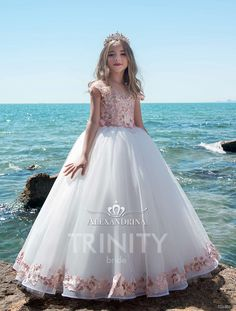 High quality hand-made dresses for girls for whole spectrum of special ocasions: flower girl dresses, first communion dresses, birthday party dresses. Little Girl Dresses, Girls Dresses, Flower Girl Dresses, Pagent Dresses For Kids, Wedding Dresses For Kids, Flower Girls, Girls Party Dress, Birthday Dresses, Party Dresses
