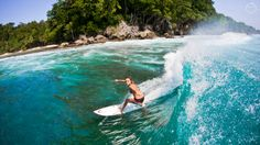 Surfing holidays is a surfing vlog with instructional surf videos, fails and big waves Alana Blanchard, Surf Hair, Female Surfers, Hawaii Surf, Dreadlocks, Surf Outfit, Big Waves, Surf Girls, Sky