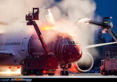 Norwegian Air Shuttle Boeing 787-8 Dreamliner being deiced