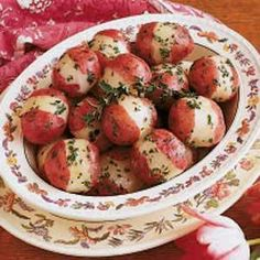 Norwegian Parsley Potatoes Recipe -I love to use parsley in many dishes, and it suits the fresh taste of small red potatoes well. Even though they're easy to prepare, they look fancy and go great with baked ham. Norwegian Cuisine, Norwegian Food, Potato Dishes, Potato Recipes, Dishes Recipes, Swedish Recipes, Norwegian Recipes, Danish Recipes, Viking Food