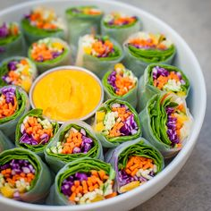 Who wants some colorful and full of flavor fresh veggie spring rolls served with spicy curry sauce? Delicious appetizer and great to bring to parties! Perfect for lunch, dinner or as a snack. (yummy snacks for lunch) Raw Food Recipes, Vegetarian Recipes, Cooking Recipes, Healthy Recipes, Vegetarian Sandwiches, Budget Cooking, Vegetarian Grilling, Dishes Recipes, Flour Recipes