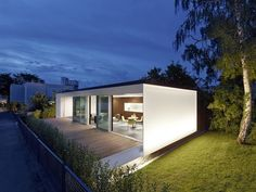 Prefab Home That Can Be Built in a Day Generates Twice the Energy It Uses