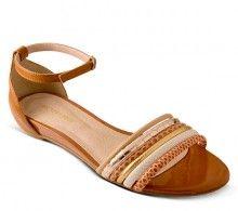 512223927396d Sandália rasteira de couro caramelo   Sandálias   Bottero Calçados Sapatos  Confortáveis, Sapatos De Tom
