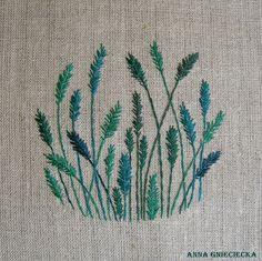 grass embroidery by Anna Gnieciecka, 11 cm diameter