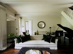 John Minshaw Design: This whole apartment is amazing in its serenity.