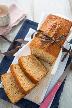 PlumCake Integrale allo yogurt (Soffice e genuino) Torte Cake, Cake & Co, Healthy Dessert Recipes, Cake Recipes, Desserts, Plum Cake, Poke Cakes, Cupcakes, Bakery Cakes