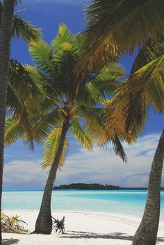 Cook Islands Aitutaki by youngrobv
