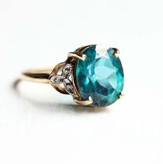 Vintage Turquoise Calcedony Ring The center stone is lovely. Teal/deep turquoise is my favorite color. Or Antique, Antique Jewelry, Vintage Jewelry, Jewelry Rings, Jewelry Box, Jewelry Accessories, Jewlery, Bling Bling, Schmuck Design