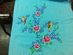 Saree Painting, Dress Painting, Fabric Painting, Painting Art, Embroidery Suits Design, Hand Embroidery Designs, Flower Art Drawing, Hand Painted Sarees, Fabric Paint Designs