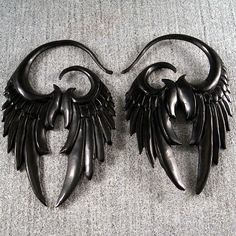 Raven wing earrings by samaranselmo Ravenwing earrings by samaranselmo Body Jewelry, Jewelry Art, Jewelry Accessories, Jewelry Necklaces, Fashion Jewelry, Jewelry Design, Jewlery, Raven Wings, Unusual Jewelry