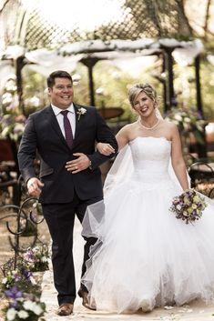 Keep walking everyone. Weekend is just around the corner. Keep Walking, South African Weddings, Celebrity Weddings, Portrait Photographers, Bride Groom, Wedding Photos, Corner, Happiness, Wedding Photography