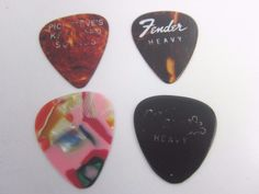 Always fun to add to your vintage Rock & Roll memorabilia! Fender,Gibson and other vintageGuitar Picks + Jethro Tull May 10,1972 & Concert 10 Pocono Rock Concert Stub