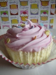 Cupcake Bath Bomb Recipe! Adorable gift idea. Would also be so cute on a cupcake tree individually wrapped in cellophane w/ a big fluffy ribbon bow. What a fun idea for a take home gift for birthday parties or women's events! <3