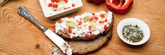 Kattints a képre, és olvasd el a receptet oldalunkon! Izu, Cottage Cheese, Brunch, Breakfast, Food, Red Peppers, Morning Coffee, Essen, Meals