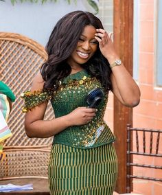 Ghana Fashion, African Fashion, African Lace, African Women, Trendy Fashion, Womens Fashion, Fashion Ideas, Sexy Dresses, Fashion Dresses