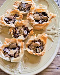 These mushroom cups can be frozen for up to one month and popped directly into the oven from the freezer (add two minutes to the cooking time). If you put them in while the meat is resting, they& be ready just in time for dinner. Holiday Party Appetizers, Party Entrees, Martha Stewart Recipes, Good Food, Yummy Food, Tasty, How To Cook Mushrooms, Phyllo Dough, Phyllo Cups