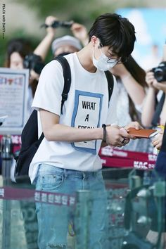 [Picture/Fansitesnap] BTS at Gimpo Airport Going to Japan Hoseok Bts, Bts Jin, Seokjin, Bts Airport, Airport Style, Airport Fashion, Kpop Fashion, Jhope Cute, Bts Facts