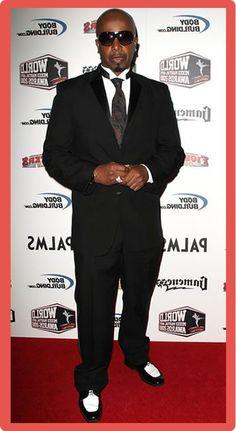 MC Hammer black suit white shirt black tie black and white shoes White Shirt Black Tie, Black And White Shoes, Black Suits, Dc Comics Vs Marvel, Celebrity Bodies, Oakland California, Famous Men, Mixed Martial Arts, White Girls