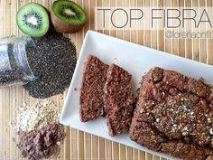 BIZCOCHO TOP FIBRALa idea es dividirlo en 3 partes e incluirlo como desayuno o como snack durante 3 DIAS consecutivos. . INGREDIENTES: - 40g de salvado de avena - 40g de harina de avena integral de @weiderspain sabor brownie (importante que sea integral para que cumpla su función , la mayoría de harinas de sabores, no lo son☝) - 15g de semillas de chia (o puede ser lino) - 1 kiwi madurito - 25 ml de leche de almendras sin azúcar - 200ml de claras de huevo