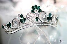 Unique handmade wedding tiara, princess tiara , bridal tiara, crystal tiara hand made for order inlaid with green teardrop SWAROVSKI Crystal – Bridal Carriage – Baby Shop Royal Tiaras, Tiaras And Crowns, Bridal Crown, Bridal Tiara, Hair Jewelry, Fashion Jewelry, Royal Jewelry, Crown Jewels, Wedding Jewelry