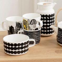Räsymatto tea cup from Marimekko by Sami Ruotsalainen, Maija Louekari Marimekko, White Cups, Modern Classic, Scandinavian Design, Dog Bowls, Stoneware, Branding Design, Tea Cups, Mugs