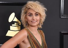 Rimmel London makeup artist Jo Baker created a show-stopping makeup look for Paris Jackson for the Grammy Awards. Paris Jackson, Short Hair Up, Short Hair Styles, London Makeup, Latest Gossip, Versace Dress, Perfect Makeup, Drugstore Makeup, Harpers Bazaar