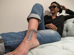 Something you want to say, Rihanna? Singer inked with Egyptian falcon tattoo. in the shape of a gun Rihanna Show, Rihanna Love, Rihanna Fenty, Rihanna Fashion, Rihanna Style, Rihanna Ankle Tattoo, Falcon Tattoo, Bad Gal, Good Vibes