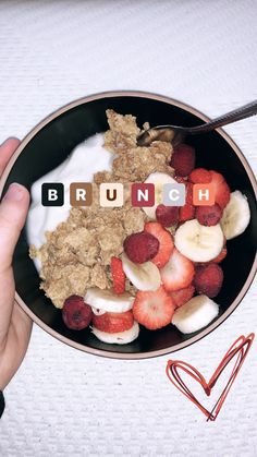 Vanilla yogurt, special K almond cereal, raspberries, banana, and strawberries 🥰 #asthetic #instagram #instagramstory #hannahmeloche #food #vegetarian #breakfast #fruit #smoothiebowl #health #cereal #easyrecipe