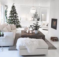 40 Cozy Christmas Living Room Design and Decor Ideas - decoration