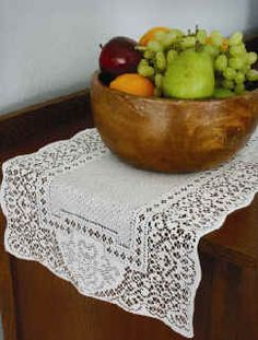 Canterbury Classic table lace..