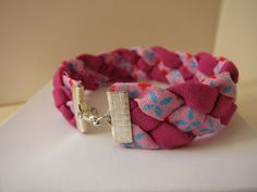 Oksana Plus Hobbies: DIY: Fabric Bracelet