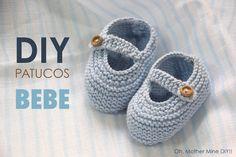 Clases de costura online gratis :D Booties Crochet, Crochet Shoes, Crochet Baby Hats, Knit Baby Shoes, Baby Boots, Knitting Videos, Crochet Videos, Baby Knitting Patterns, Baby Booties Free Pattern