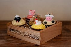 Cupcakes to go with the 'Farm Theme' for my little boy's 4th Birthday.  Cake was vanilla and iced with vanilla buttercream.  All animals made from fondant.