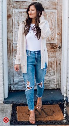 Cardigans are a trendy way to style your spring or summer outfits & take 2020 fashion to new lengths.