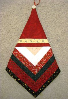 Recent Christmas Projects Done! Quilted Christmas Ornaments, Easy Christmas Decorations, Fabric Ornaments, Holiday Crafts For Kids, Christmas Crafts, Christmas Patchwork, Christmas Quilt Patterns, Christmas Sewing Projects, Barn