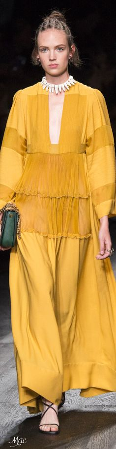 Spring 2016 Ready-to-Wear Valentino