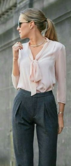 Dress For Success: 8 Dos And Don'ts Of Professional Wardrobe - Future Female Leaders - - Remember, you are representing yourself with not only your professionalism but your clothes as well. Summer Work Outfits, Office Outfits, Casual Outfits, Fashion Outfits, Office Wear, Office Attire, Formal Outfits, Office Uniform, Pink Office