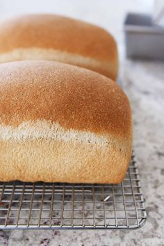 French Delicacies Essentials - Some Uncomplicated Strategies For Newbies This Small Batch Whole Wheat Bread Recipe Is The Ticket To Making Perfect Bread At Home. It very well may Be Made In A Kitchenaid Or Bosch Mixer Or By Hand Kitchen Aid Recipes, Kitchen Aid Mixer, Kitchen Tools, Kitchen Gadgets, Bread Machine Recipes, Bread Recipes, Skillet Recipes, Pastries Recipes, Mélangeur Kitchenaid