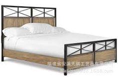 Resultado de imagem para camas de madera y hierro forjado