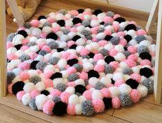 Pom pom rug/handmade bathroom mat/home decor/pom pom baby