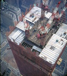WTC under construction World Trade Towers, World Trade Center Nyc, Trade Centre, City Buildings, Modern Buildings, Lower Manhattan, Jolie Photo, Under Construction, Amazing Architecture