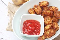 Delicious Homemade Air Fryer Tater Tots - Six Time Mommy and Counting… Air Fry Recipes, New Recipes, Cooking Recipes, Homemade Tater Tots, Tater Tot Recipes, Best Shakes, Breakfast For Dinner, Weight Watchers Meals, Picky Eaters