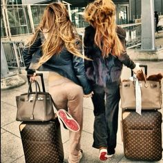 Your bestie isnt better then mine Lv Handbags, Louis Vuitton Handbags, Louis Vuitton Speedy Bag, Travel Chic, Travel Style, Hermes, Fade Styles, Girls Getaway, Luxe Life