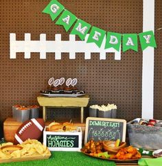 DIY Football Party Backdrop from MichaelsMakers U-Create Crafts