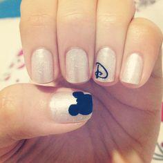 Disney nails <3