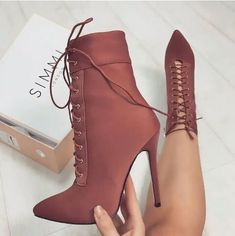 Shared by Maqafa. Find images and videos about shoes, fashion and heels on We Heart It - the app to get lost in what you love.